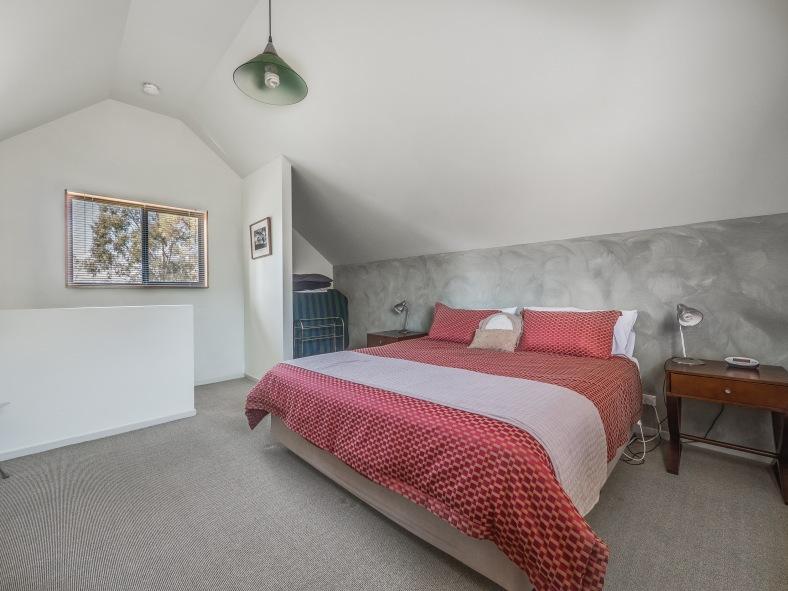 Heimat Chalets - Upstairs Bedroom - Chalet No 2